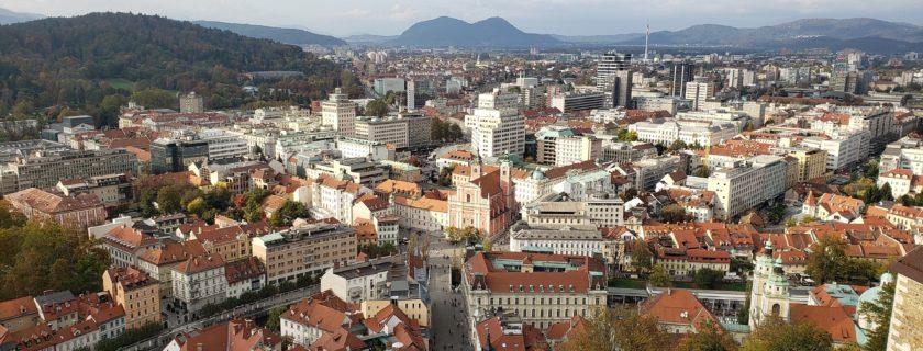 Uniwersytet w Ljubljanie zaprasza na odpłatne kursy letnie